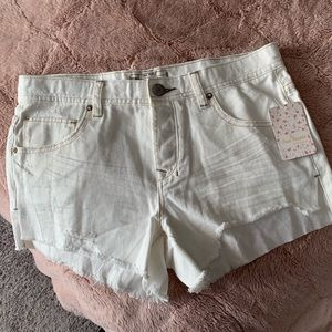 Free people shark bite shorts NEW! 🌟